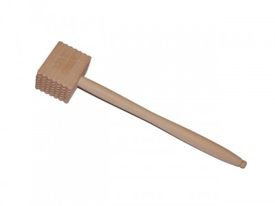 Meat beater with 49 wooden teeth